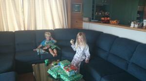 Julklappsöppning på waiheke Island