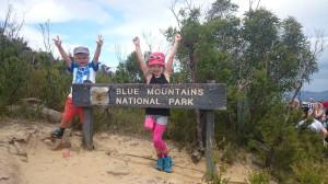 Efter Sydney åkte vi till en nationalpark, blue mountains. Det var massa skog och klippor och vattenfall.